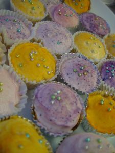 cupcakes-with-shiny-decorations