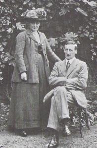 B_Potter_and_her_husband_W_Heelis_1913