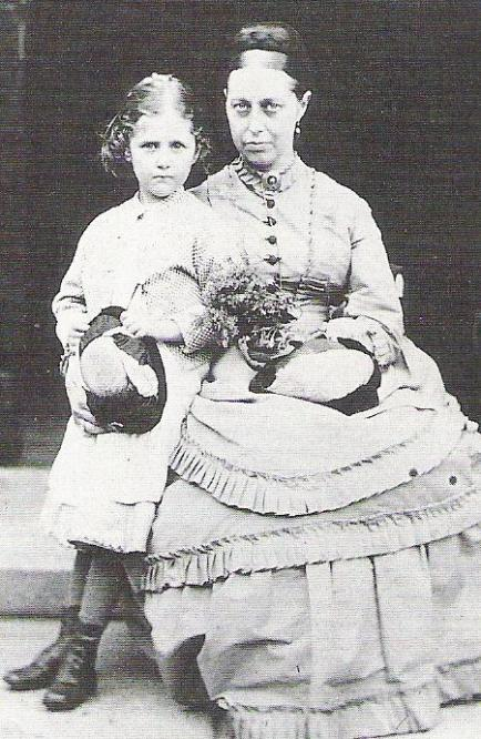 Potter and her mother Helen Leech Potter.