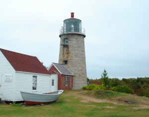 monhegan-lighthouse-boat